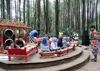 Gamelan en indonesia.