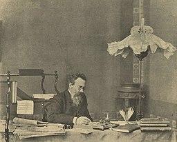 Rimsky-Korsakov en su estudio